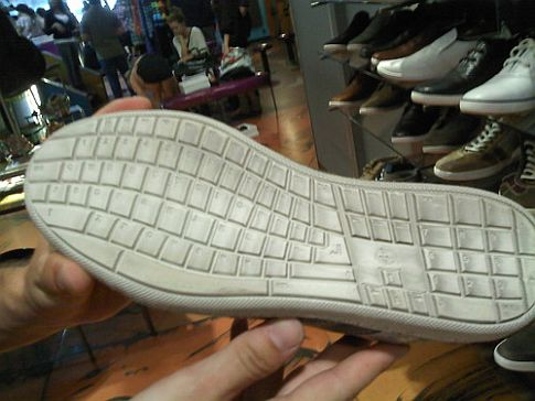 Keyboard... shoe ?