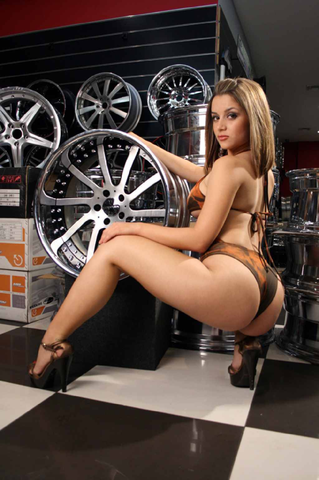 Rad, Felge, Sexy girls, wheels, grid girls, fotoshooting, Tuner, Tuning, Chrom