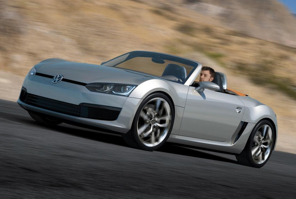 http://www.auto-motor-und-sport.de/news/moeglicher-vw-roadster-de-silva-heizt-spekulationen-an-7018135.html