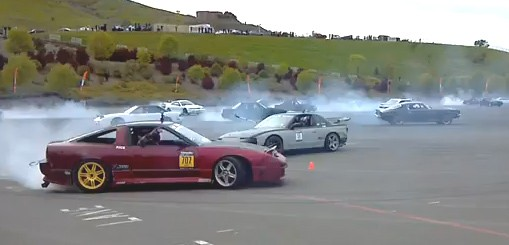 Powerslide, drift, donut, Guinness World Record, Guinness Buch der Rekorde, Infineo Raceway, World record, simultan, driften, Video, Gummi, Burnout, 2012