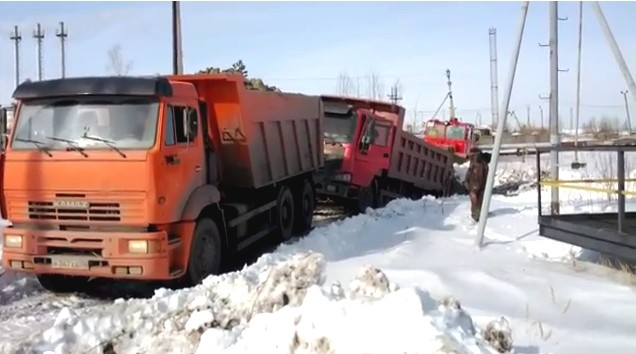 Russland, russia, Kamaz, LKW, Unfall, Video, Chinesisch, Kipper, Lastwagen, lustig, funny, witzig, komisch