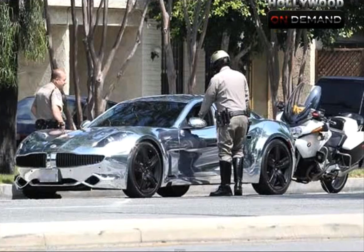 Justin Bieber, Bieber, Fisker Karma, chrom, popstar, news, Polizei, police, speedlimit, zu schnelles fahren, raser, bilder, fotos, video 