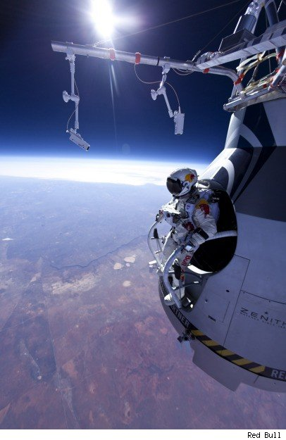 red bull,  Felix Baumgartner, red bull stratos, skydive, video, weltraum, free fall, jump, jumper, weltrekord, world record,  space jump, Baumgartner, extremsport