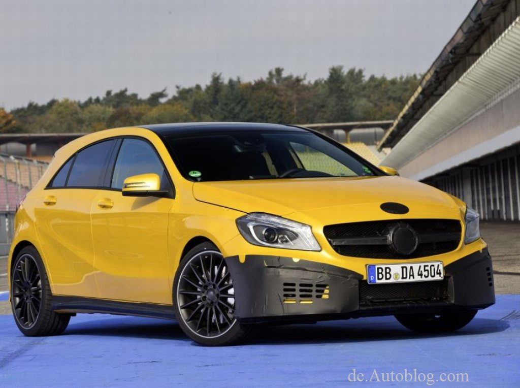 Erstes Foto vom Mercedes A45 AMG