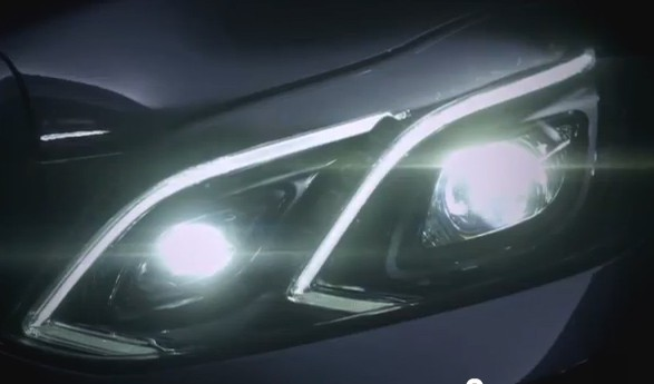 Mercedes-Benz, E-Klasse, Licht, headlight, teaser, frontschwinerfer, LED, Video