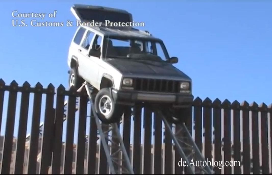 smuggler, schmuggler, drugs, drogen, Fence, Zaun, Grenze, border line, Video, USA, Mexico, fail, pech, panne, rampe, ramp