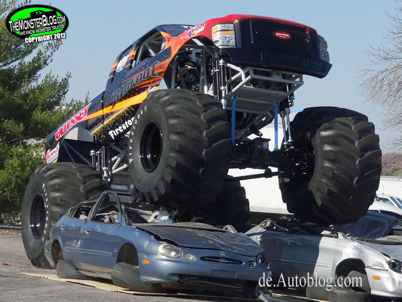 Bigfoot, Monster truck,   Bigfoot 4 x 4, Bogfoot Monster Truck,  #20, electric, elektro, strom, batterie, premiere, Monster Truck show, E-Motor, 4WD, Allrad 