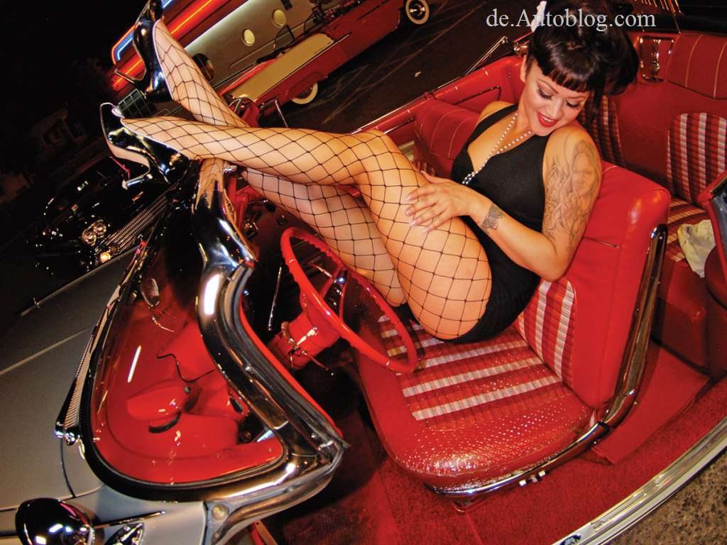 sexy babes, girls, cars & girls, hot, erotisch, erotik, wheels, heels, legqueen, high heels, bikini, sexy,