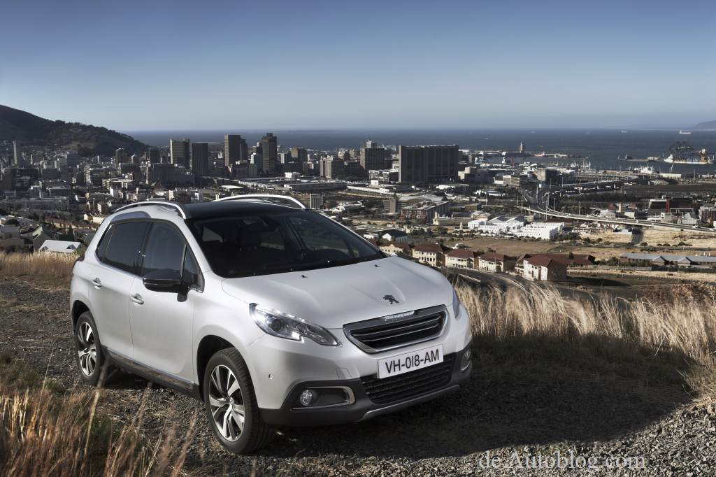 Peugeot 2008, 2008, Crossover, der neue Peugeot 2008, Genf, Genfer Auto salon, Auto salon Genf, SUV, Ausstattung, Motoren, premiere, unveiled, debt, Crossover, SUV, fotos, pics, photes, new Peugeot 2008