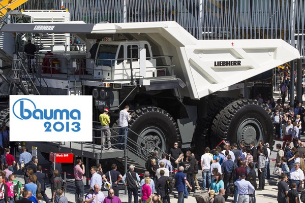 bauma, Mnchen, Messe, Fachmesse, Bilder, Impressionen, Fotos, Baumaschine, Baufahrzeuge, bauma 2013, Impressionen, kran, bagger, 