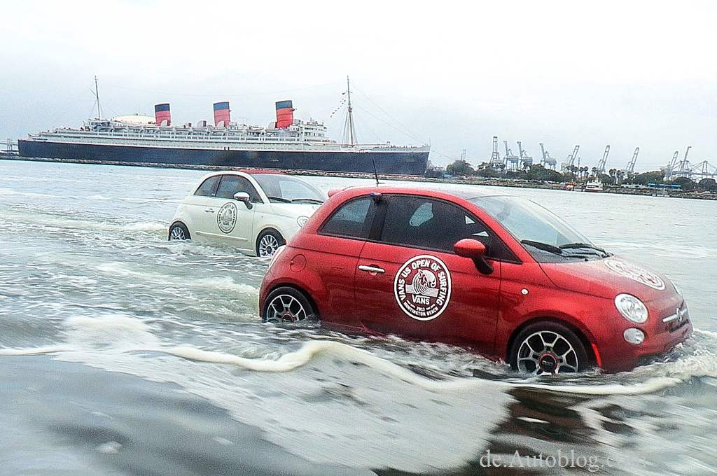 Fiat 500, Boat, motorboat, Vans U.S. Open of Surfing in Huntington Beach, marketing, ad, funny, komisch, lustig, motorboot, Fiat 500 motorboot