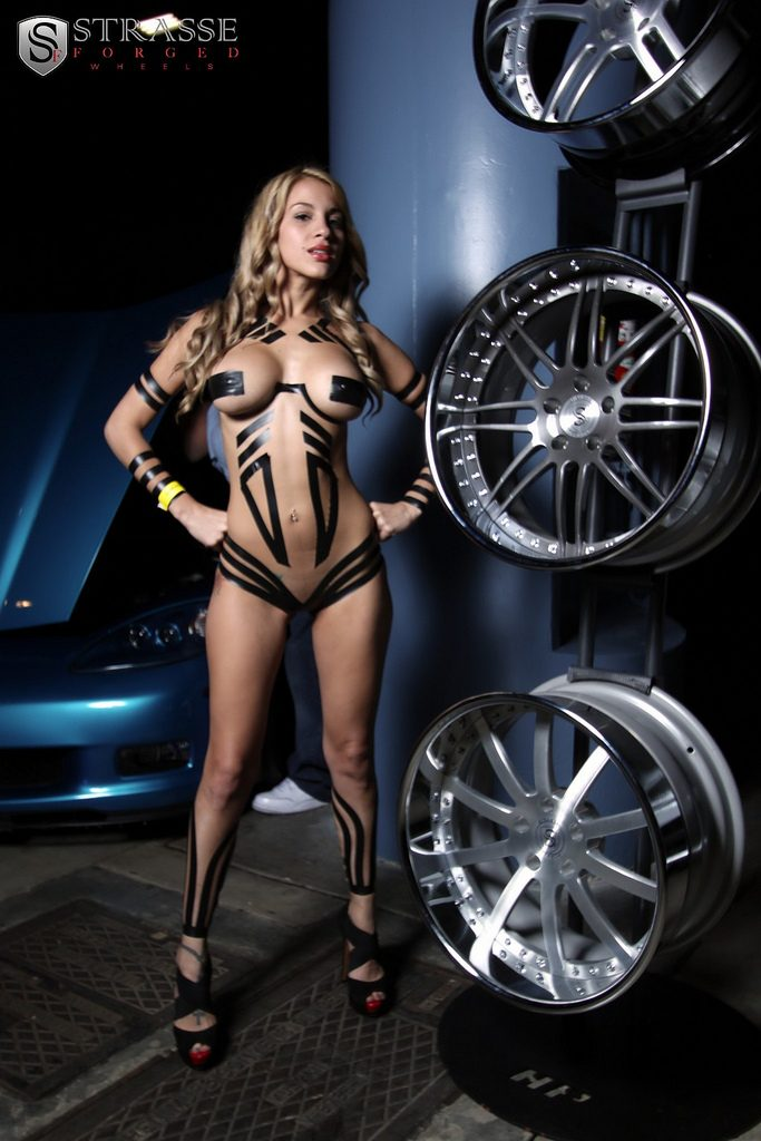 bikini, Chrom, drall prall, drall und prall, DrallPrall, DrallUndPrall, featured, Felge, fotoshooting, grid girls, Rad, sexy, Sexy girls,, Tuner, Tuning, vossen, wheels,  wheels, heels, big wheels, sexy wheels