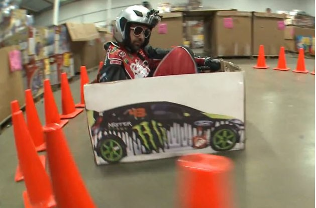 Ken Block, Gymkhana, Ken box, video, funny, komisch, lustig, parodie, razor cart