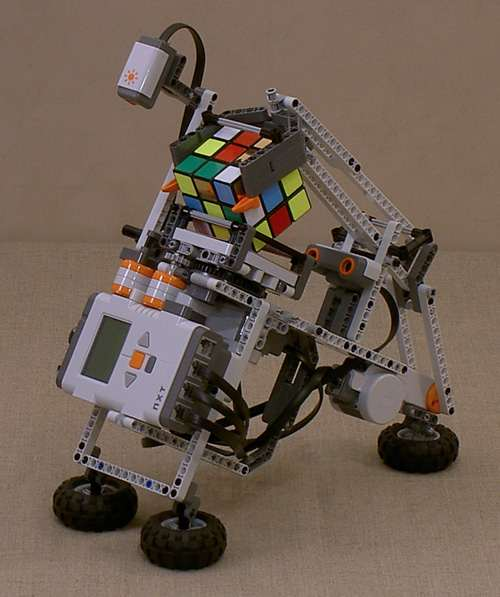 lego mindstorms nxt rubik zauberw rfel roboter engadget. Black Bedroom Furniture Sets. Home Design Ideas