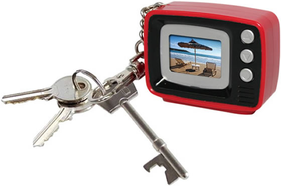 tv digital photo keyring retro tv mini bilderrahmen als schl sselanh nger engadget deutschland. Black Bedroom Furniture Sets. Home Design Ideas
