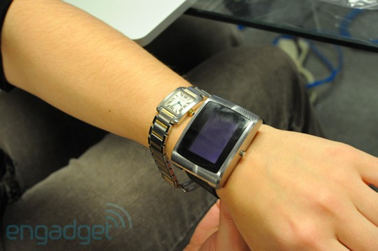 CES 2010: BlackBerry-Armbanduhr inPulse
