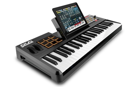 Akai SynthStation49: Der ultimative iPad Controller-Dock für Musikanten