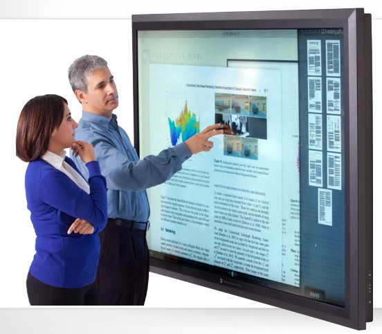 perceptive pixel bringt 82 zoll multitouch lcd tv. Black Bedroom Furniture Sets. Home Design Ideas