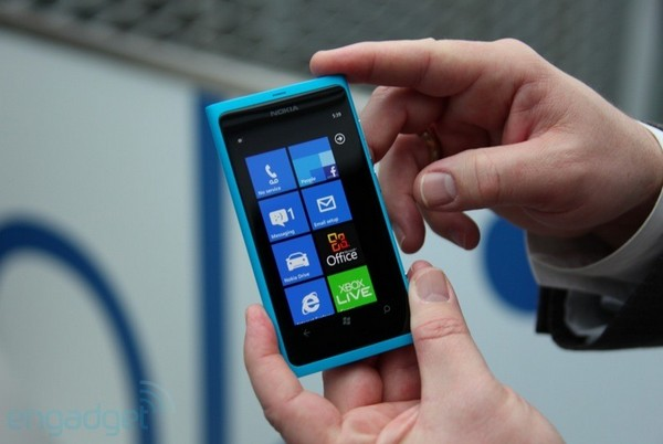 Nokia Lumia 800: Hands-On mit Video