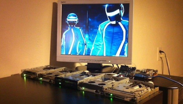 Video: Floppy-Kapelle spielt Daft Punks Tron Legacy Soundtrack