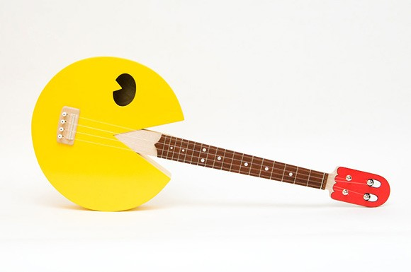 Pac Man Ukulele: ultimatives Instrument für 8-Bit-Folkmusiker