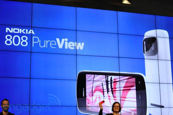 Nokia 808 PureView: Symbian-Telefon mit 41-Megapixel-Kamera (Update: Hands-On!)
