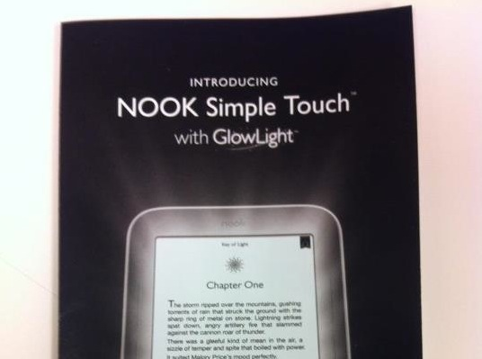 Nook Simple Touch mit GlowLight-Display: Noch ein beleuchteter E-Ink-Reader?