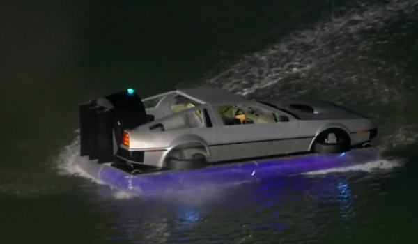 Video: DeLorean aus Back to the Future als Hovercraft