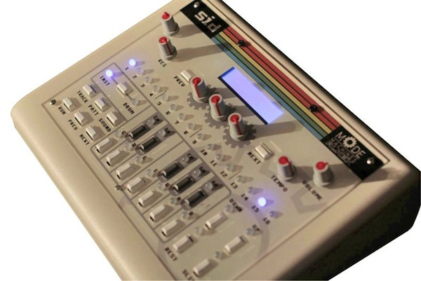 Mode Machines SID: C64-Synthesizer mit Stepsequenzer (Videos)