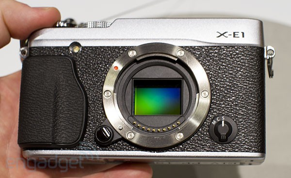 Photokina: Fujifilm X-E1 und XF1 Hands-On