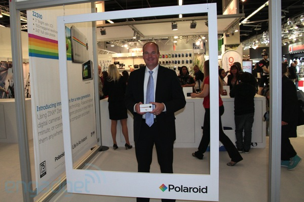 Engadget-Interview: Scott Hardy, CEO von Polaroid (Video)