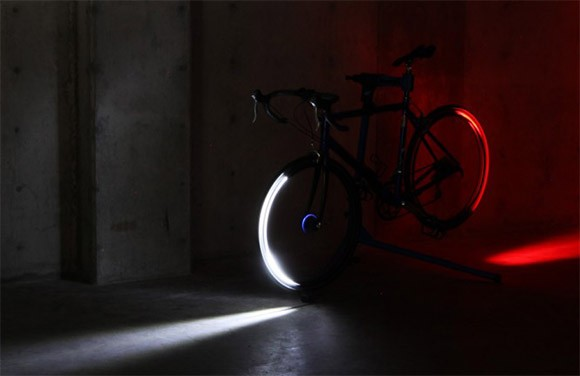 revolights led kranz als fahrradbeleuchtung video engadget deutschland. Black Bedroom Furniture Sets. Home Design Ideas