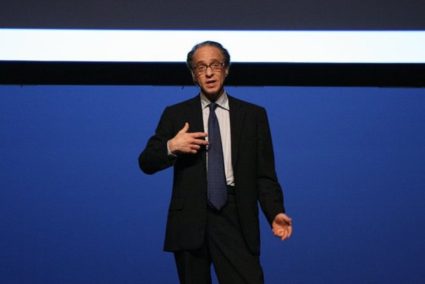 Ray Kurzweil heuert bei Google an, wird Director of Engineering