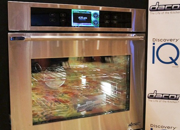 "Android-Röhre ""Discovery Wall Oven"": 7-Zoll-Touchscreen, 1 GHz CPU, Back-Apps satt (Video)"
