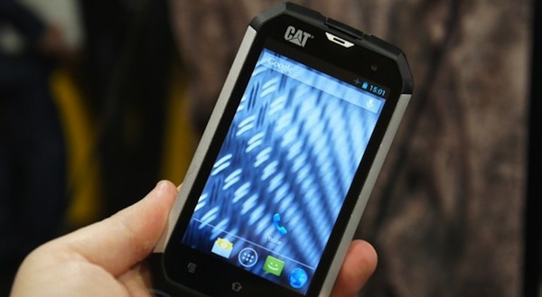 Unkaputtbares Caterpillar-Smartphone CAT B15 im Hands-On