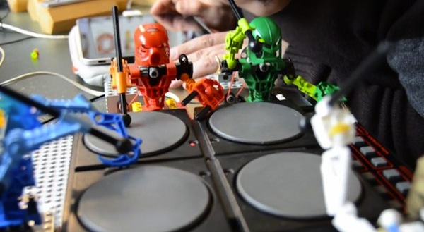 Video: Putzige Roboterband aus Lego Bionicles