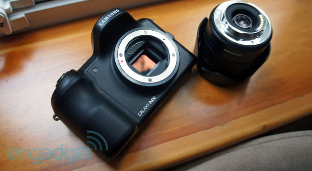 Hands-On: Samsung Galaxy NX
