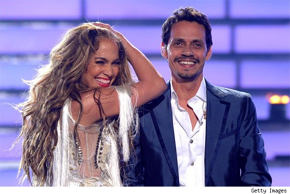http://entretenimiento.aollatino.com/2011/05/26/marc-anthony-jennifer-lopez-american-idol-finale/