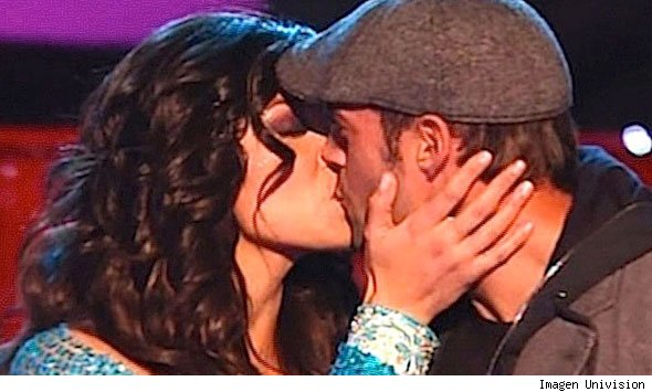 william levy elizabeth gutierrez kiss