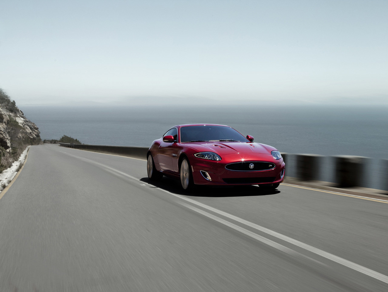 xkr-coupe201200.jpg