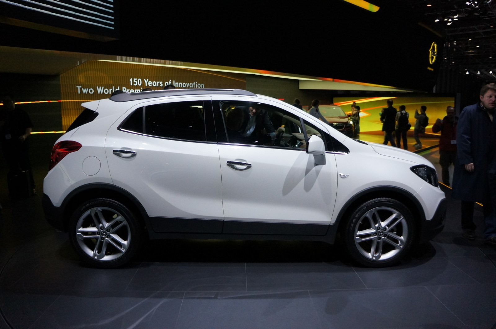 spied 2012 buick encore a k a opel mokka page 2. Black Bedroom Furniture Sets. Home Design Ideas