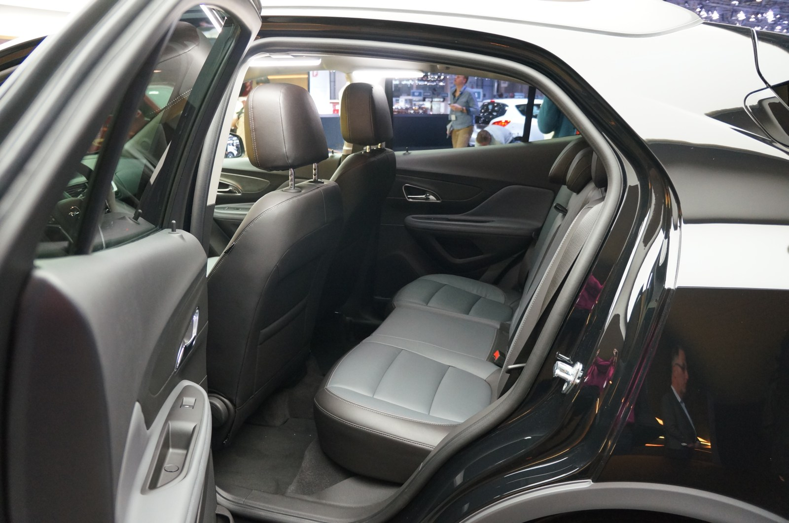 opel mokka interior images galleries with a bite. Black Bedroom Furniture Sets. Home Design Ideas