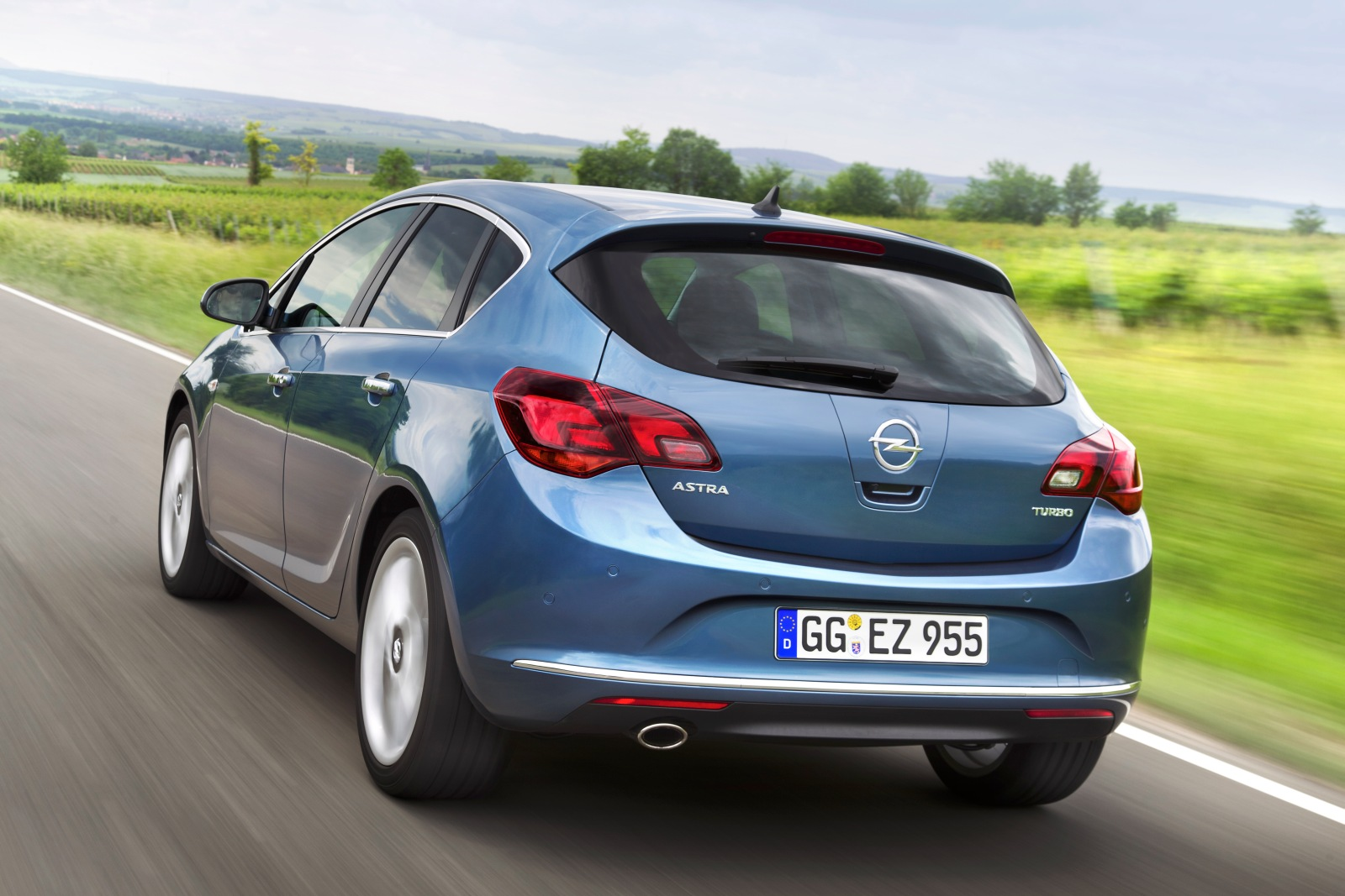opel astra e astra sports tourer facelift 2012 opel autopareri. Black Bedroom Furniture Sets. Home Design Ideas
