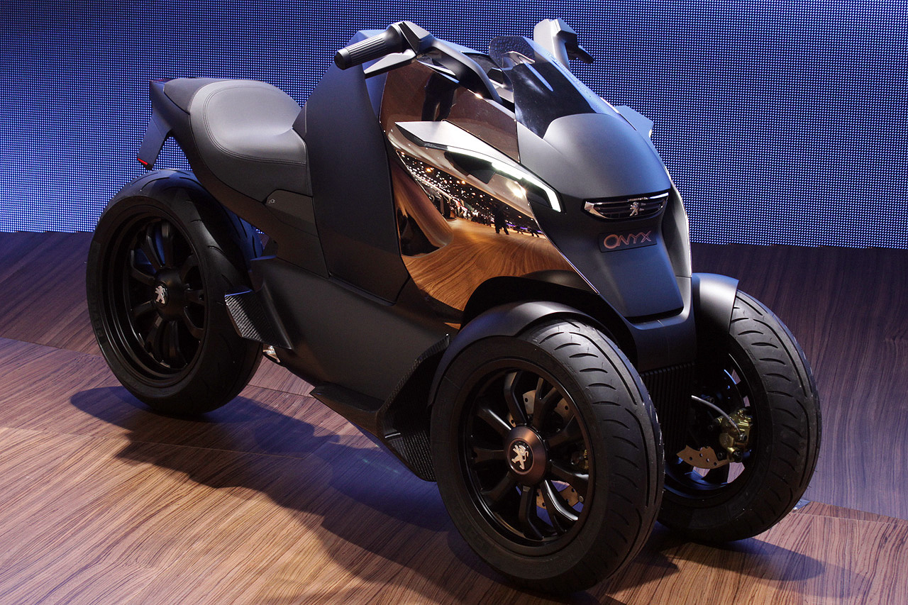 002-peugeot-onyx-scooter-concept.jpg