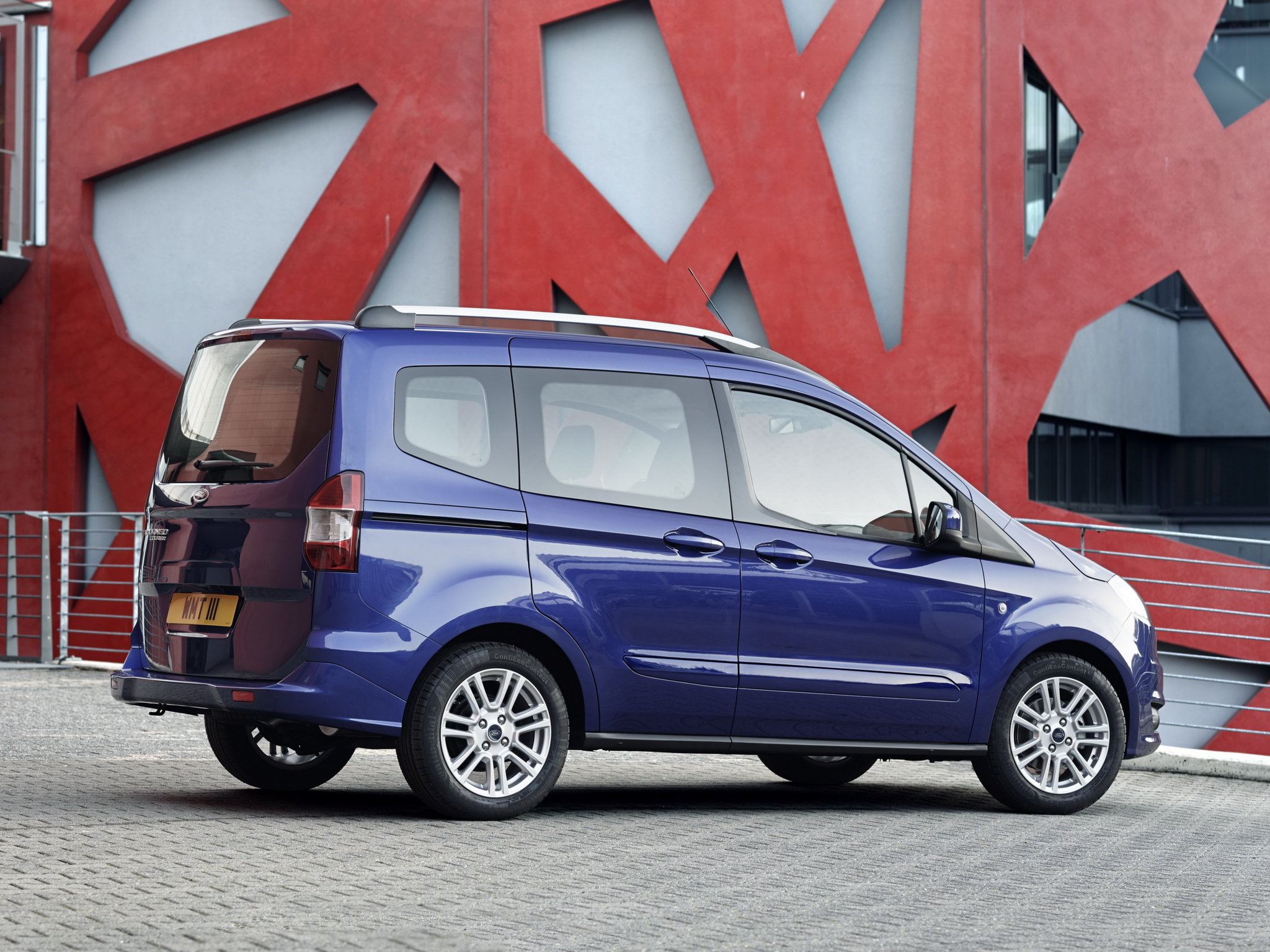 2012 ford tourneo courier page 3. Black Bedroom Furniture Sets. Home Design Ideas