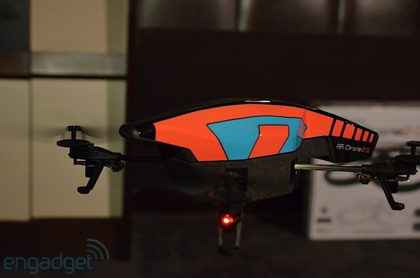 Parrot AR.Drone 2.0 listo para el despegue: acepta reservas a partir del 1 de marzo