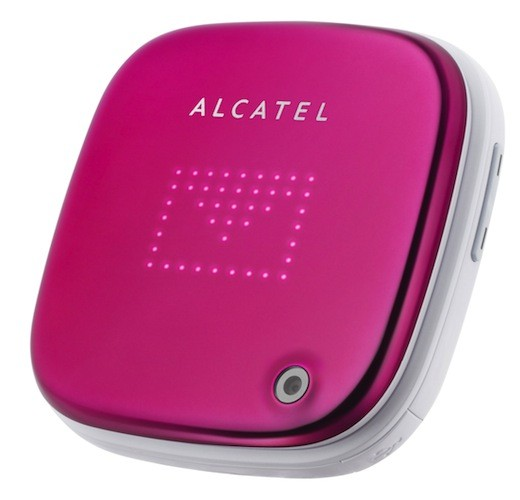 Alcatel One Touch Glam 810 sigue apostando por la silueta cuadrada