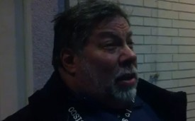 Woz primero en la cola por hacerse con el nuevo iPad (vdeo)