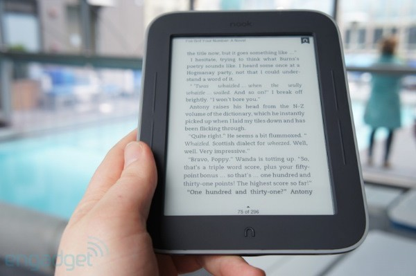B&N anuncia el Nook Simple Touch con GlowLight