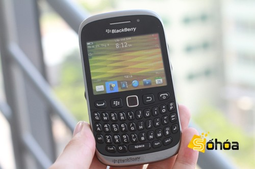 BlackBerry Curve 9320 se deja ver sin pudor alguno por Vietnam